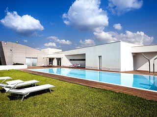 6 bedroom Villa in Floridia, Sicily, Italy : ref 5684674