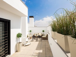 Corral Rey Terrace 7. Balcony and private terrace. Sun all year