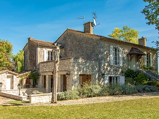 4 bedroom Villa in Ribagnac, Nouvelle-Aquitaine, France : ref 5684643