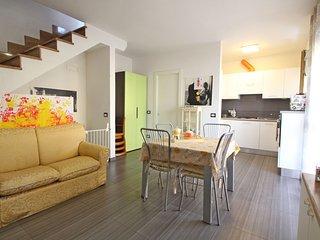 2 bedroom Villa in Marina di Carrara, Tuscany, Italy - 5684390