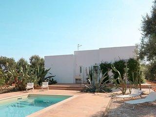 3 bedroom Villa in Specchiolla, Apulia, Italy : ref 5684631