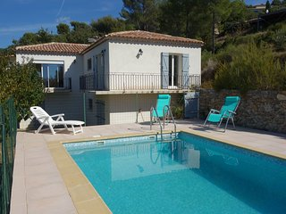 3 bedroom Villa in Saint-Côme, Provence-Alpes-Côte d'Azur, France : ref 5585954