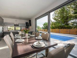 4 bedroom Villa in Sovlje, Sibensko-Kninska Zupanija, Croatia : ref 5684393