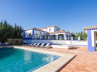 Bratz Bronze Villa, Olhos de Agua, Algarve