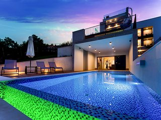 LUXURY SEAVIEW POOL VILLA FOR RENT OPATIJA