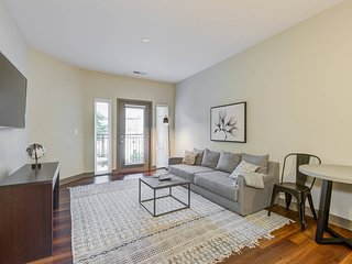 Apartment w/ Private Patio, Center of Indy
