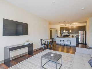 Business Suite Near the Convention Center by Mint House
