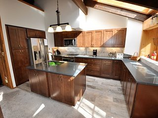 4 Bedroom East Vail Ski Home #5016 with private hot tub