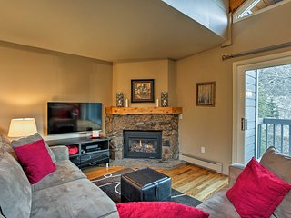 NEW! Cozy Vail Townhome w/Views Near Shuttle Stop!