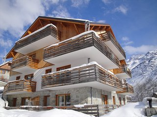 Spacious Apartment in Vaujany | Close to Ski Pistes!