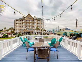 NEW LISTING! Dog-friendly, Gulf view getaway w/a furnished deck - walk to beach