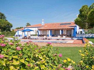 Paragon Bronze Villa, Olhos de Agua, Algarve