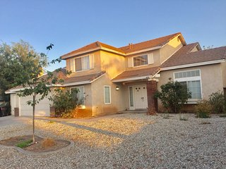 Spaciously Comfortable 5 Bedroom, 6 Bed Home in Peaceful Victorville