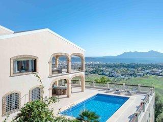 Villa de lujo con espectaculares vistas al mar en Pollensa