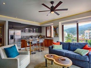 5th Floor Mountain Views * Oceana in Romantic Zone