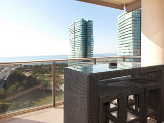 STUNNING sea view + pool Barcelona!