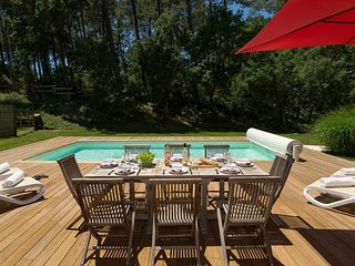 Enjoy a PRIVATE POOL in Moliets | Spacious Villa, Minutes to the Beach
