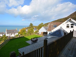 65621 House situated in Tresaith