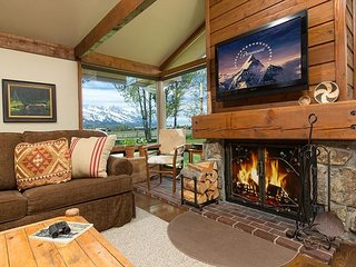 Cozy Golf Creek Condo~Close to Grand Teton National Park and JH!