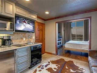 3901B Westgate at Canyons Ski Resort-Steps to the Lifts-Pool, Fitness & More!