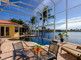 Eight Lakes - Luxury Vacation Home with Gulf Access & Amazing Water Views