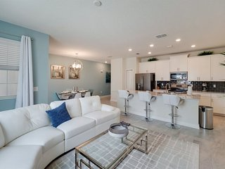 8921SID. Modern 4 Bed 3 Bath Townhome in ChampionsGate Golf Resort