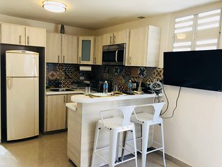 Lovely apartment remodeled with laundry, parking & pet friendly