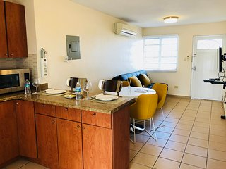 Big house with private apartments, laundry, terraces, parkings and pet friendly