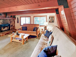 Whispering Forest 3BR w/ Private Deck & Big Fenced Yard - Near Skiing & Lake
