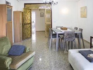 Beautiful Apartment in Batxiller St. Valencia (Turia's Garden Area)