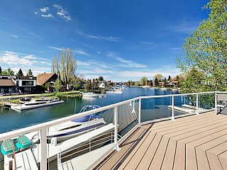 Lake Home w/ Dock & Fireplace - Near Camp Richardson & Heavenly Ski Resort