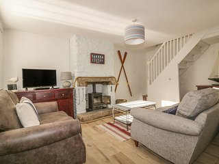 14 CLIFF STREET, open-plan, two dogs welcome, in Mevagissey