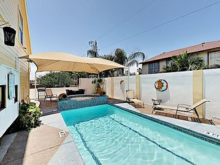 2BR w/ Pool, & BBQ Area, 2-Minute Walk to Beach & Nightlife