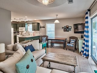 Family-Friendly 2BR Seagrove Beach Condo, Steps from the Gulf of Mexico