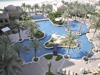 Stylish & comfortable 2 Bedroom Apartment - Fairmont Residences - The Palm, Jume