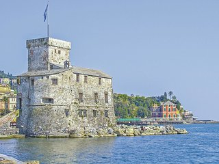 2 bedroom Apartment in Rapallo, Liguria, Italy : ref 5579536