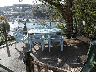 Riverbella - Stunning River Views from Private Sun Deck. Allocated parking