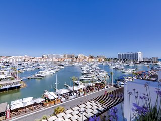 Vila Marina - Luxurious apartment - Facing Marina