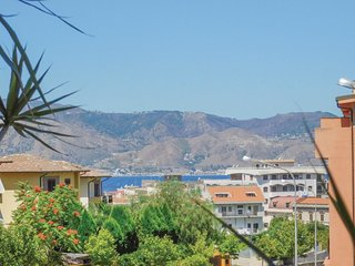 3 bedroom Apartment in Villa San Giovanni, Calabria, Italy : ref 5571473