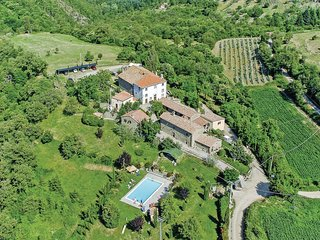 4 bedroom Apartment in Toppo di Moro, Tuscany, Italy : ref 5566779