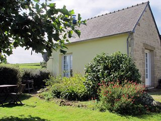 1 bedroom Villa in Rochou-Bras, Brittany, France : ref 5653385
