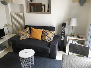 Stunning refurbished apartment in central location