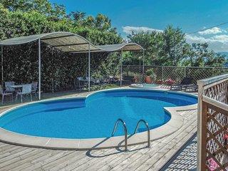 2 bedroom Apartment in Pianella, Abruzzo, Italy : ref 5581961