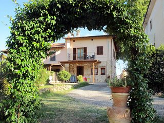 2 bedroom Apartment in Certaldo, Tuscany, Italy : ref 5651074