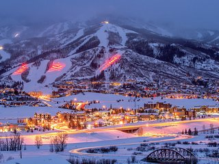 Steamboat Springs Hilltop Resort STUDIO 4 Guests ~ Skiing ~ Hiking ~ Family Fun