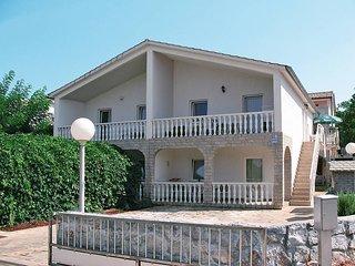 3 bedroom Villa in Malinska, Primorsko-Goranska Zupanija, Croatia : ref 5440209