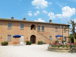 2 bedroom Apartment in Stazione Ferroviaria, Tuscany, Italy : ref 5655419
