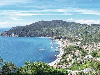 2 bedroom Villa in Carro, Liguria, Italy : ref 5682324