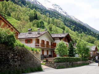 2 bedroom Apartment in Sarral, Aosta Valley, Italy : ref 5655672