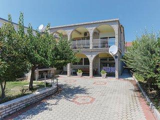 3 bedroom Apartment in Kastel Gomilica, Croatia - 5678512